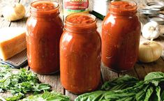 An authentic and delicious Italian Tomato Sauce that has been passed down through generations. So good, it's sure to become your family's go-to sauce recipe! Homemade Pickles, Homemade Sauce, Italian Tomato Sauce, Italian Sauces, Tomatoe Sauce, Italian Foods, Pickle Vodka, Canning Vegetables, Parmesan