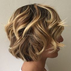 Short Curly Bronde Hairstyle