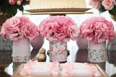 3 Intelligent Clever Ideas: Shabby Chic Cottage Buckets shabby chic home ideas.Shabby Chic Living Room With Tv shabby chic farmhouse vignettes.Shabby Chic Living Room With Tv. Cumpleaños Shabby Chic, Shabby Chic Baby Shower, Shabby Chic Living Room, Diy Party Table Decorations, Decoration Table, Baby Shower Elegante, Rose Fuchsia, Deco Floral, Deco Table