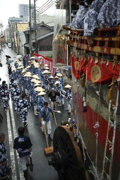 Yamahoko-Junko(July 16th),the Gion Matsuri Festival. photo by Yasuo Kubota