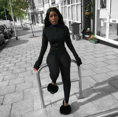 Casual fashion: All black casual outfit  Black furry slides Instagram:@rlt__  Follow Grace The Fashion enthusiast for more cool pins