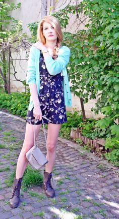 Mint cardigan with flower romper without the boots though Mint Cardigan, Big Kiss, Watch Photo, Little Monkeys, Outfit Posts, How To Fall Asleep, Give It To Me, Told You So, Hipster