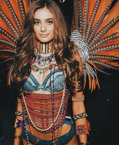 Taylor Hill – 2017 Victoria's Secret Fashion Show Runway in Shanghai #fashion #angels #hairstyles #lingerie #brunette