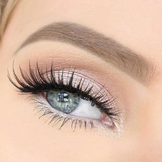 Light pink eyeshadow with some amazing lashes! Such a pretty eye look! Reminds me of a fairy lol