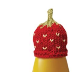 join in the innocent big knit and make hats for juice bottles in support of age related charity , strawberry hat pattern and more on this site , they can be used for barbie and little dolls too strawberry hat pattern Loom Knitting, Knitting Patterns Free, Knit Patterns, Free Knitting, Cute Crochet, Crochet Crafts, Crochet Toys, Knit Crochet, Knitted Dolls