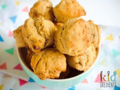 FREEZABLE Date and banana muffins, no added sugar! Perfect for the lunchbox and ideal for an afternoon snack. Yummy and freezer friendly. Healthy Afternoon Snacks, Healthy Snacks For Kids, Easy Snacks, Yummy Snacks, Easy Meals, Easy Recipes, Lunch Recipes, Lunch Snacks, Healthy Food
