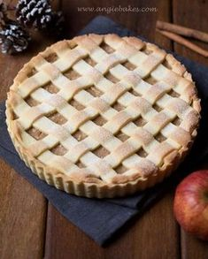 Mřížkový jablečný koláč Apple Pie, Cooking Recipes, Cake Ideas, Therapy, Food Recipes, Chef Recipes, Apple Pies, Healing, Counseling