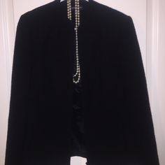 Gorgeous Ann Taylor Wool Jacket Size 6❤️ Gently used but in wonderful condition! Ann Taylor wool jacket size 6. Measures 25 inches long, 16 inches arm pit to arm pit. 90 percent wool, 10 percent Nylon. Ann Taylor  Jackets & Coats