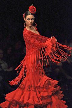 The Passion of a Flamenco dancer shall reside in my heart now and forever ! Tango, Gypsy, Spanish Dancer, Beauty And Fashion, Red Fashion, Flamenco Dancers, Dance Movement, Dance Art, Just Dance