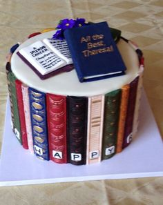 Book cake, Library book retirement cake More Source by annaueberschr Pretty Cakes, Cute Cakes, Yummy Cakes, Unique Cakes, Creative Cakes, Library Cake, Gateau Harry Potter, Retirement Cakes, Book Cakes