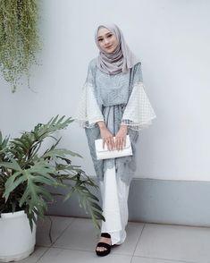 60 Ideas Makeup Simple Hijab For 2019 Hijab Gown, Hijab Dress Party, Hijab Style Dress, Hijab Wedding Dresses, Kebaya Modern Hijab, Kebaya Hijab, Kebaya Muslim, Tutorial Hijab Pesta, Hijab Style Tutorial