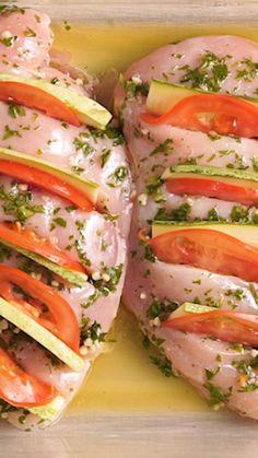 Shrimp Tacos Discover Pollo Relleno Ponele onda al clásico Pollo Mexican Food Recipes, Diet Recipes, Chicken Recipes, Cooking Recipes, Healthy Recipes, Gourmet Chicken, Chicken Appetizers, Vegetarian Appetizers, Cake Recipes
