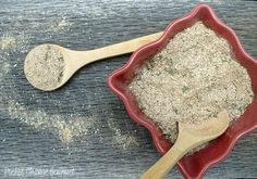 Homemade Greek Seasoning.  I'm a little obsessed with DIY seasonings.  So simple and inexpensive, since almost all of the time I have everything in my pantry!!