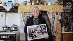 Η Σκάλα Συκαμνιάς αποχαιρέτησε την εμβληματική γιαγιά Μαρίτσα Beautiful People