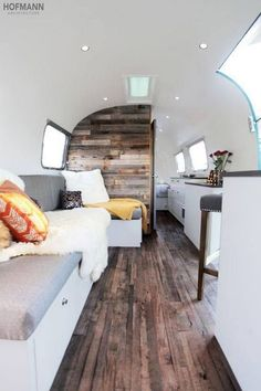 Awesome Airstream Bambi Ideas: Exterior And Interior Inspirations Airstream Campers, Airstream Remodel, Airstream Renovation, Airstream Interior, Trailer Interior, Vintage Airstream, Remodeled Campers, Camper Van, Trailer Remodel