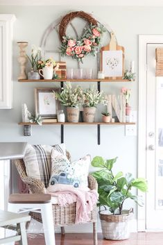 Gorgeous florals on open kitchen shelves... love this look for spring! #springdecor #openshelves  #kitchenshelves  #shelfdecor #shelfie #shelfstyling #howtodecorate #springstyle #springdecor #pinkdecor #floraldecor