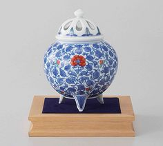 Tokyo Matcha Selection - [Premium] Arita Porcelain Cencer : Arabesque - Incense Burner Holder w Base, Box, $568.00 (http://www.tokyo-matcha-selection.com/premium-arita-porcelain-cencer-arabesque-incense-burner-holder-w-base-box/)