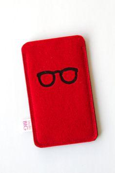 iPhone 5 telefoon hoesje met bril  in alle kleuren door StudioBIG, €17,50
