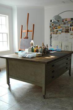 studio art table on wheels...