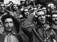 Robert Capa Civil War  Se cumplen 75 años de la retirada de las Brigadas Internacionales.