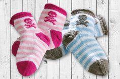 Piraten voraus: Süße Kinder-Socken stricken ganz leicht. Wir zeigen Ihnen, wie's geht, inklusive Zählmuster zum kostenlosen Download. © Christophorus Verlag GmbH & Co. KG