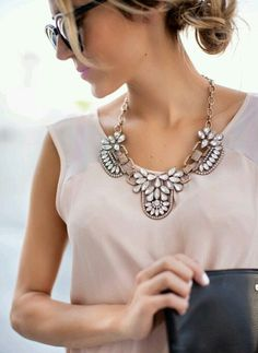 Love these bib necklaces, I'll have to get a few :)