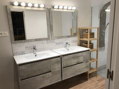 Baño @diariodeunareforma con focos al estilo camerino. diariodeunareforma Double Vanity, Photo And Video, Bathroom, Instagram, Spot Lights, Style, Washroom, Bathrooms, Bath
