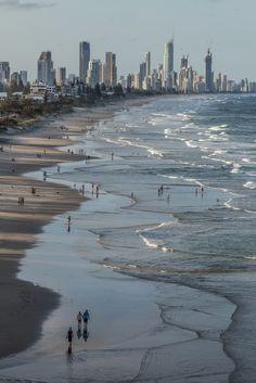 Surfers Paradise, Gold Coast, Australia (by Duncan Rawlinson)