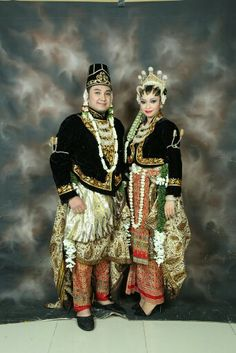 Javanesse indonesian Traditional wedding gown