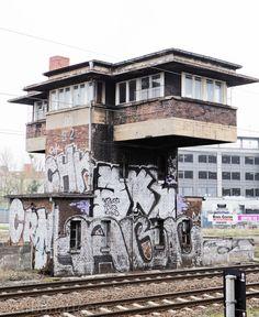 Trainbuilding - #city, #Stadt, #Transportation, #Verkehrsmittel
