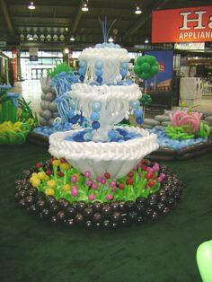 Balloon Garden fountain. Balloon wedding decor. #balloon decor #balloon-decor