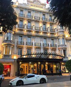 Hotelhermitagemc #MyMonteCarlo #Monaco #MonteCarlo #Luxury #hotel #frenchriviera #relax #Christmas #Elegance #Class #Style#Trendy #Classy #Awesome #Amazing #TimelessElegance #Charming #Elegant