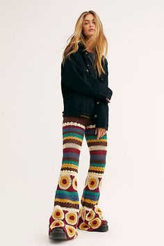 Hippie fashion ideas, boho-chic trends Quirky Fashion, Boho Fashion, Fashion Outfits, Fashion Ideas, Sewing Patterns Girls, Crochet Pants Pattern, Crochet Patterns, Loom Patterns, Crochet Clothes