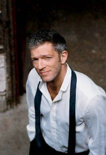 Vincent Cassel :) très bon acteur et il est beau! (Very good actor and he's handsome)