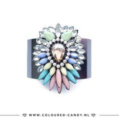 Wait, what!? Deze statement bangle armband shop je nu voor een heel fijn prijsje! 💎 ➳ https://www.coloured-candy.nl/product/bloem-bangle-armband/  #colouredcandy #sieraden #jewelry #bangle #armcandy #jewellery #bracelet #diamonds #strass #flower #silver #fashion #mode #style #love #beauty #jewelrygram #fashionista #trendy #beautiful #quotes #shop #fashiongram #instagood #shopping #musthaves #bijoux #accessories