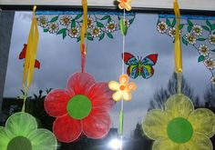 Spring Window Display Ideas | 23 Different Spring Decorating Ideas | CreativeFan