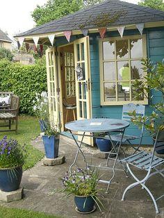 Victoriau0027s English Garden Summer Studio/occasional Shop