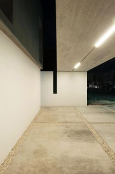the material used focused on concrete, emphasize its modern look
