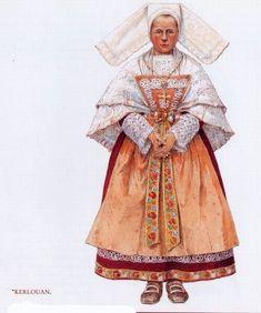 Costume de Kerlouan Coiffe de cérémonie en tulle brodé - grand châle de mousseline brodée à bords tuyautés. Tablier de soie à piécette - manches du corsage garnies de dentelles - jupe ornée de rubans tissés et galons. Grand noeud à la taille