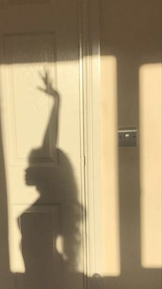 Budiour Photography, Silhouette Photography, Shadow Photography, Bad Girl Aesthetic, Aesthetic Photo, Aesthetic Pictures, Shadow Pictures, Shadow Pics, Boudior Poses
