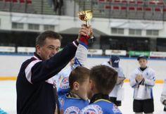 «Даймонд Форчун Холдингс Прим» стала генеральным спонсором ХК «Шахтер».  18 октября во Владивостоке стартует новый хоккейный турнир на приз губернатора Приморского края «Лига ОТВ». В соревновании примут участие более 30 хоккейных команд из нескольких регионов.