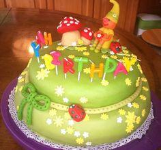 ...és kész, Bencó első tortája :)