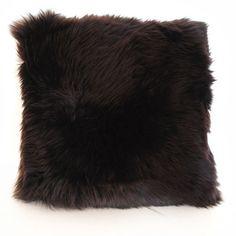 Poduszki Long Wool Chocolate od Auskin - aż chce się do nich przytulać!;)