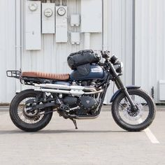 """Motorcycle Backpack & Magnetic Tank Bag The definition of dual function. This """"Tank Bagpack"""" serves as both a magnetic tank bag and waterproof backpack. Transitioning between the backpack and tank bag"""