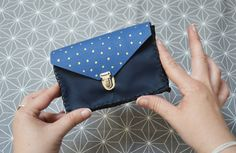 Découvrez comment réaliser vous-même facilement un mini #cartable en cuir ! #DIY #bags