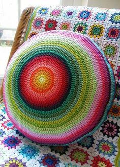 Ideas.. Crochet cushion... Blog no longer exists..