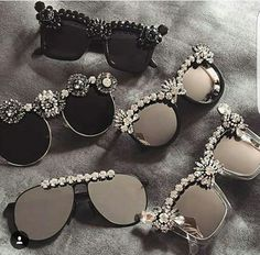 Pin on Bead jewellery Pin on Bead jewellery Cute Sunglasses, Round Sunglasses, Sunglasses Women, Black Sunglasses, Sunnies, Luxury Tumblr, Lunette Style, Fashion Accessories, Fashion Jewelry