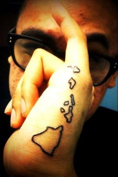 i drew this on my hand the other day.. copier! haha
