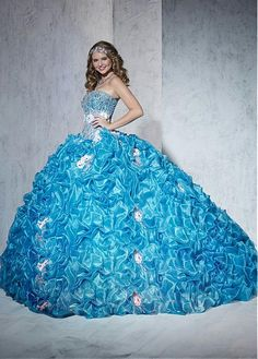 Chic Organza & Satin Sweetheart Neckline Floor-length Ball Gown Quinceanera Dress