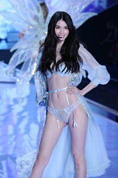 6a30617cb81 Sui He - suihestyle  Sui He at the 2014 Victoria s Secret... Victoria